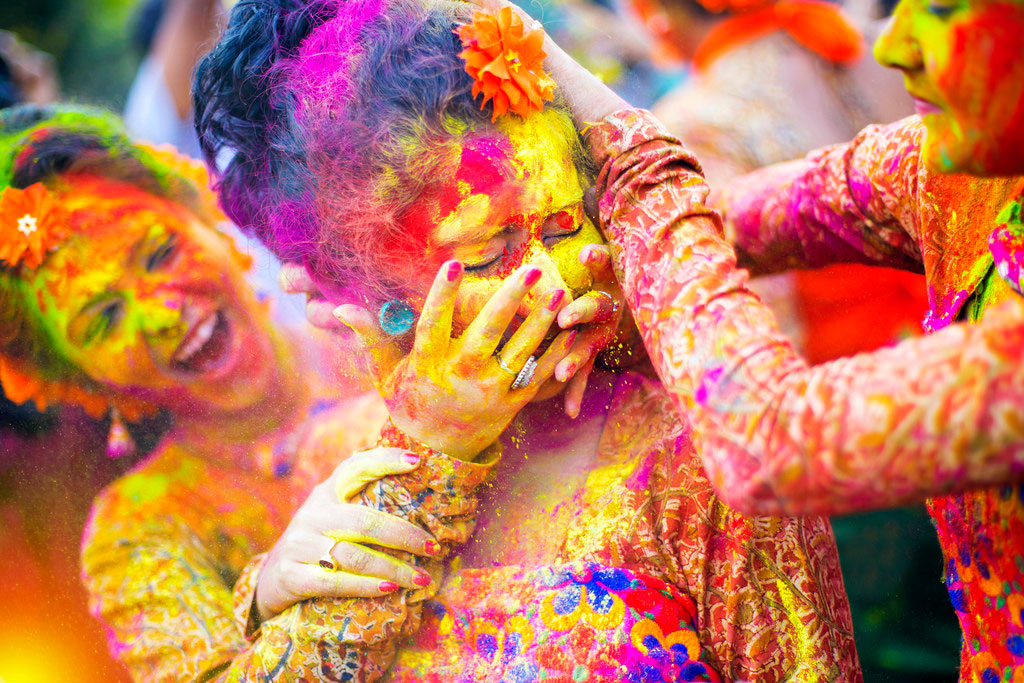 How to Celebrate Holi – Holi Kaise Manaye